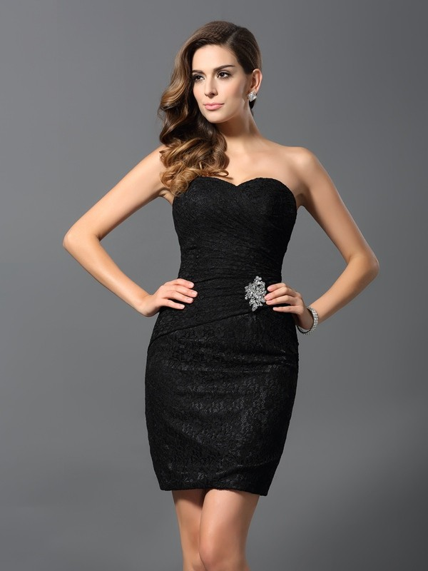 Sheath/Column Sweetheart Sleeveless Short Lace Cocktail Dresses