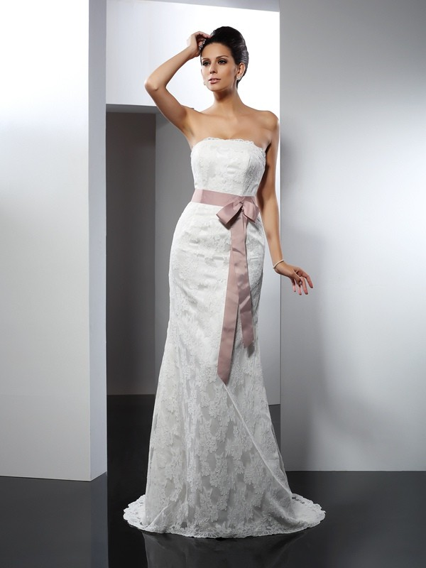Trumpet/Mermaid Strapless Lace Sleeveless Long Lace Wedding Dresses