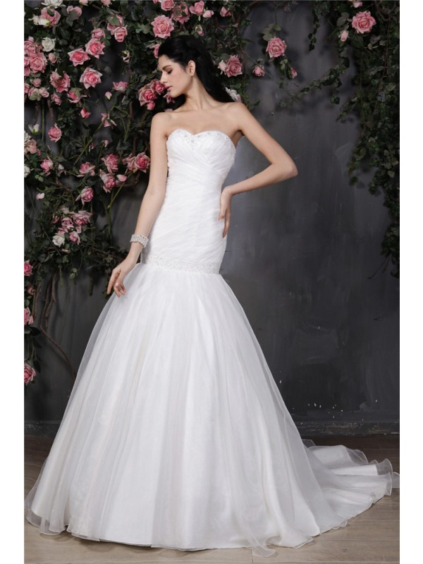 Trumpet/Mermaid Sweetheart Pleats Ruffles Long Organza Wedding Dress