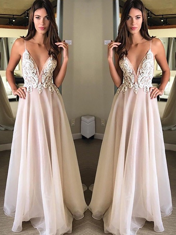 A-Line/Princess Spaghetti Straps Floor-Length Applique Chiffon Dress