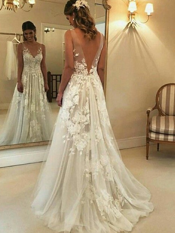 A-Line/Princess V-neck Sweep/Brush Train Sleeveless Applique Wedding Dresses with Tulle