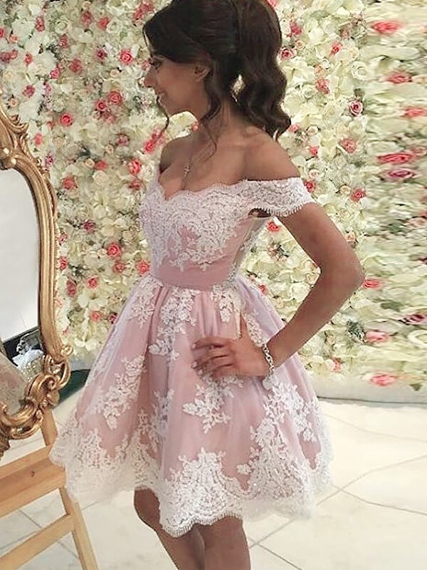 A-Line/Princess Off-the-Shoulder Applique Short/Mini Tulle Dress