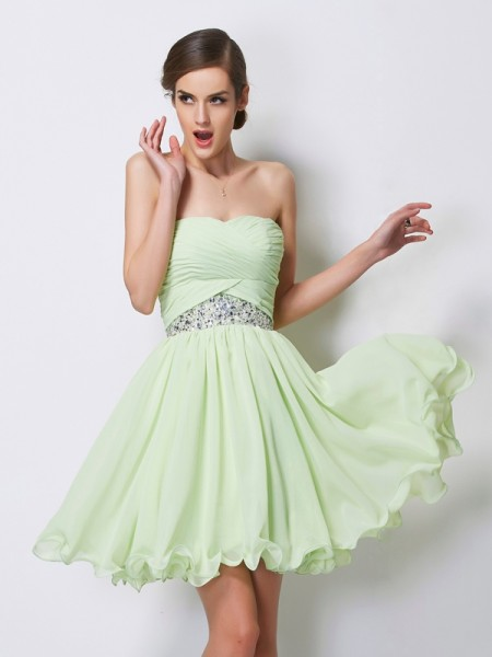 A-Line/Princess Sweetheart Short Beading Chiffon Homecoming Dress