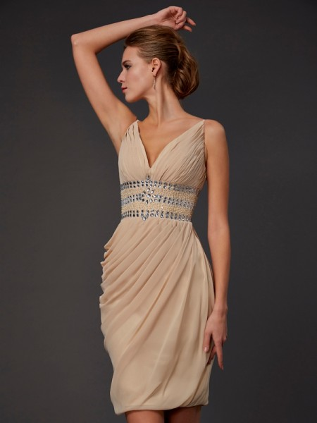 Sheath/Column V-neck Beading Short Chiffon Homecoming Dress