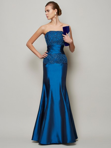 Trumpet/Mermaid Strapless Applique Beading Long Taffeta Dress