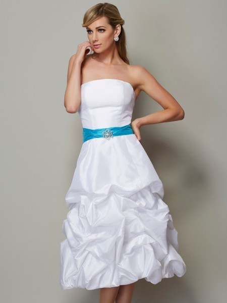 A-Line/Princess Strapless Short Taffeta Bridesmaid Dress