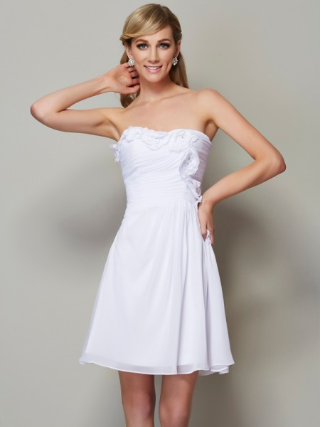 A-Line/Princess Strapless Pleats Applique Short Chiffon Bridesmaid Dress