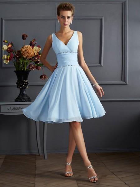A-Line/Princess V-neck Pleats Short Chiffon Bridesmaid Dress