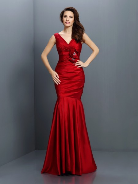 Trumpet/Mermaid V-neck Long Taffeta Bridesmaid Dress
