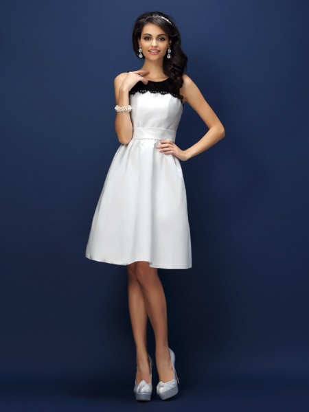 Sheath/Column Bateau Lace Short Satin Bridesmaid Dress