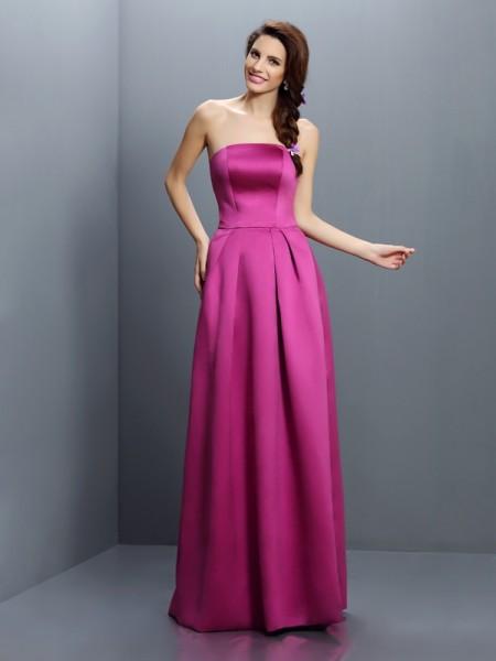 Sheath/Column Strapless Long Satin Bridesmaid Dress