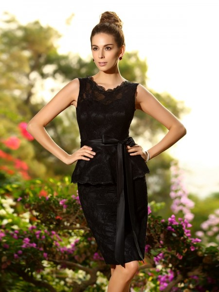 Sheath/Column Scoop Lace Short Satin Bridesmaid Dress