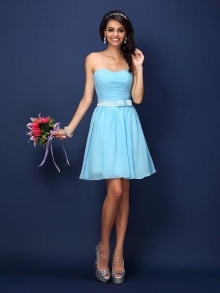 A-Line/Princess Strapless Pleats Short Chiffon Bridesmaid Dress