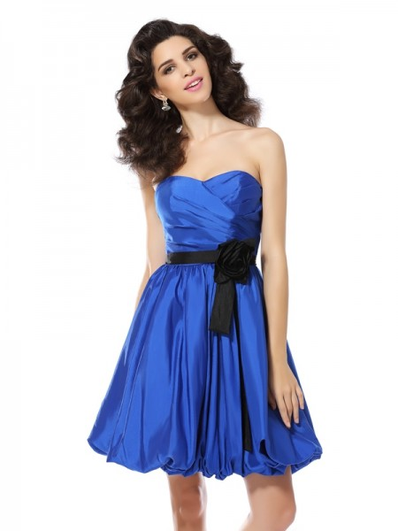 A-Line/Princess Sweetheart Short Taffeta Cocktail Dress