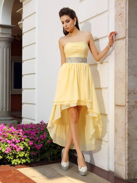 A-Line/Princess Strapless Beading High Low Chiffon Cocktail Dress