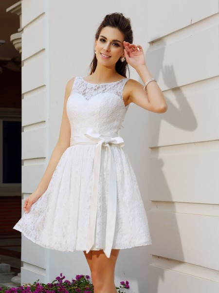 A-Line/Princess Scoop Sash/Ribbon/Belt Short Lace Cocktail Dress