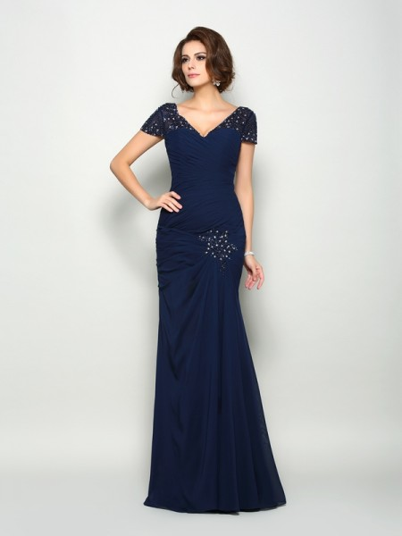 Trumpet/Mermaid V-neck Beading Short Sleeves Mother of the Bride Dress with Long Chiffon