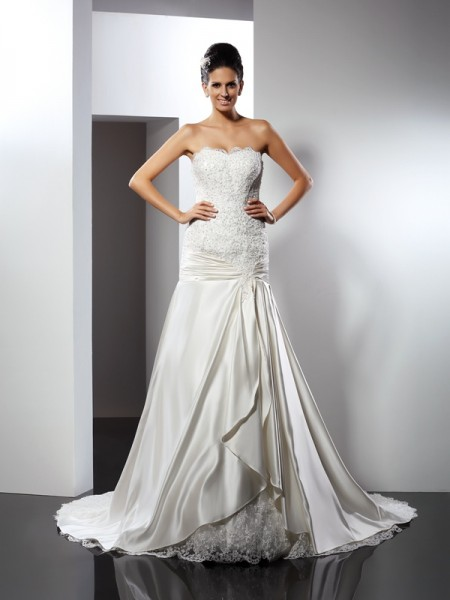 Trumpet/Mermaid Sweetheart Applique Long Satin Wedding Dress