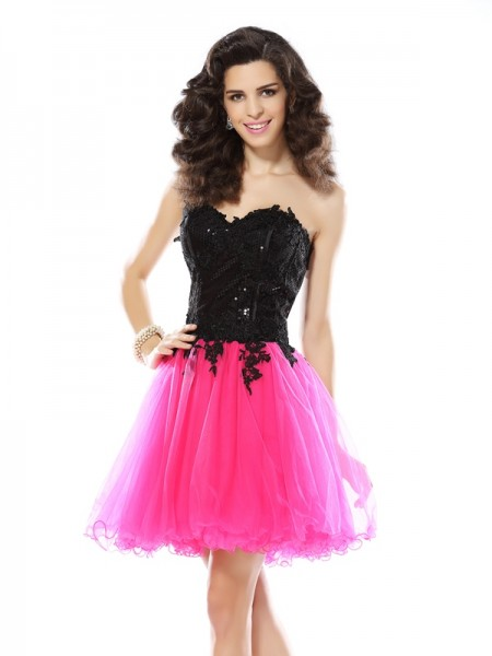 A-Line/Princess Sweetheart Lace Short Net Cocktail Dress