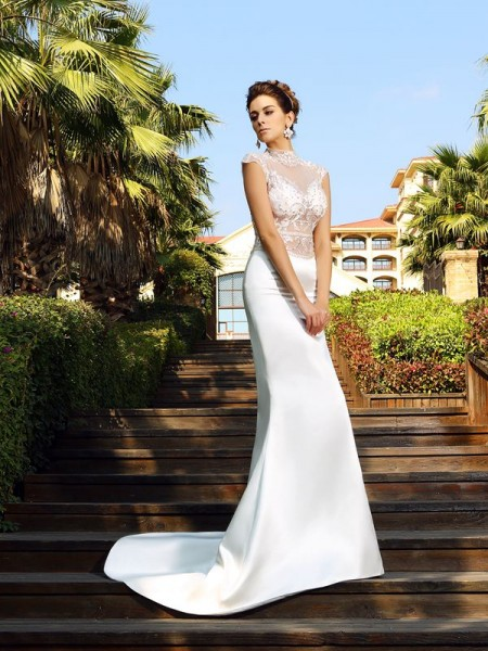 Trumpet/Mermaid High Neck Beading Long Satin Dress