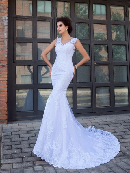 Trumpet/Mermaid V-neck Applique Satin Wedding Dress