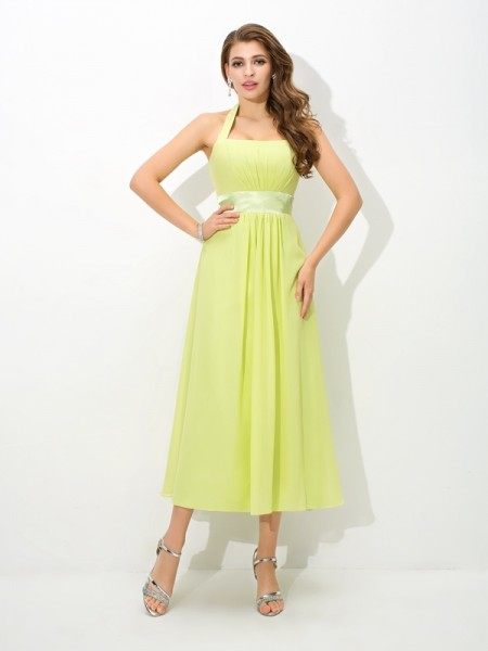 A-Line/Princess Halter Pleats Chiffon Bridesmaid Dress