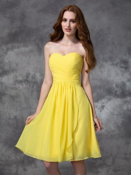 A-line/Princess Sweetheart Ruched Short Chiffon Bridesmaid Dress