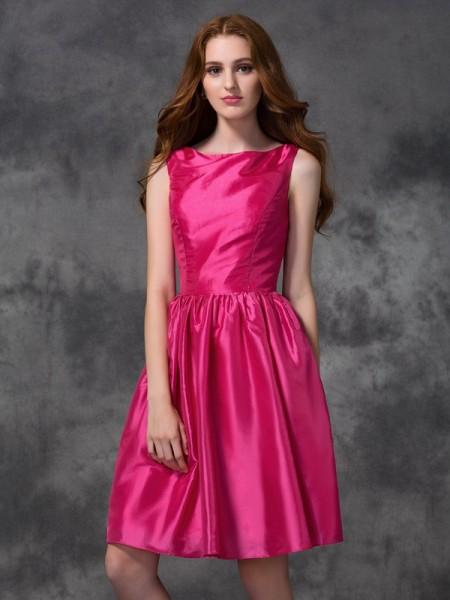 A-line/Princess Bateau Ruched Short Taffeta Bridesmaid Dress