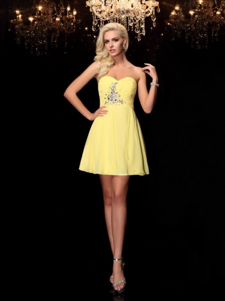 A-Line/Princess Sweetheart Rhinestone Short Chiffon Dress
