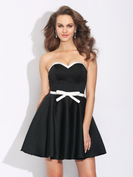 A-Line/Princess Sweetheart Bowknot Satin Dress