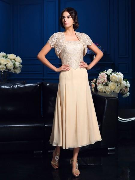 A-Line/Princess Square Applique Short Chiffon Mother of the Bride Dress