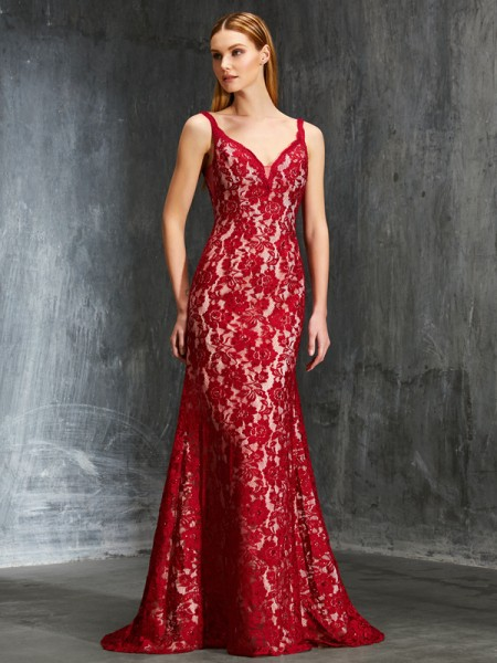 Sheath/Column Spaghetti Straps Sweep/Brush Train Applique Lace Dress