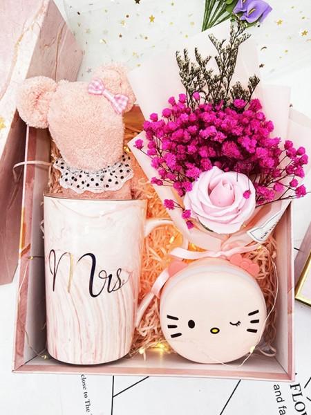 Pretty Wedding Gift Box For Bridesmaid