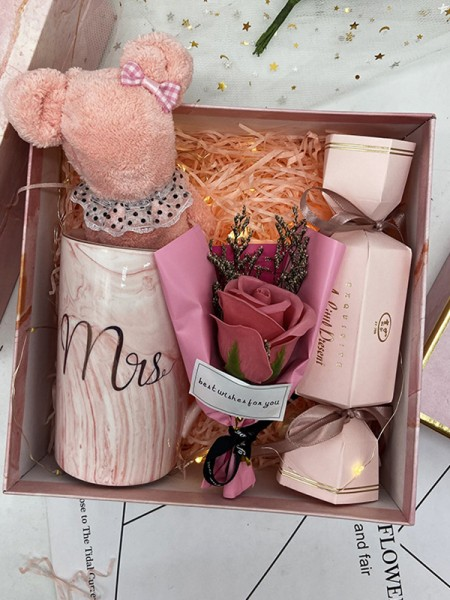 Fancy Wedding Gift Box For Bridesmaid