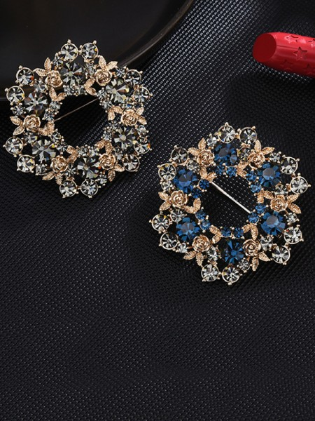 Fashion Alloy With Crystal Ladies' Brooch