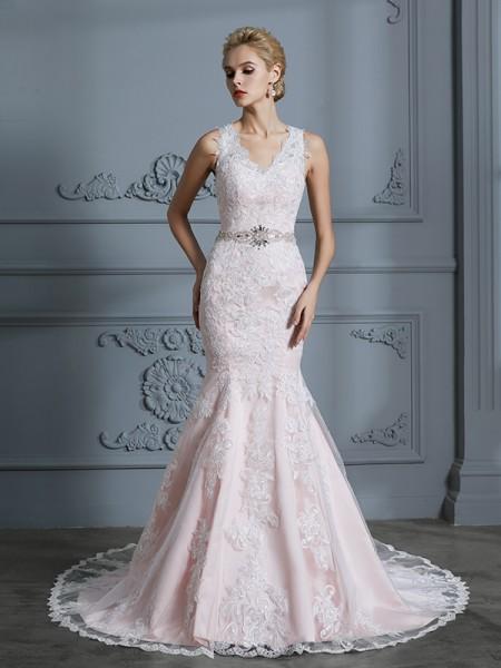 Trumpet/Mermaid V-neck Tulle Court Train Applique Wedding Dresses