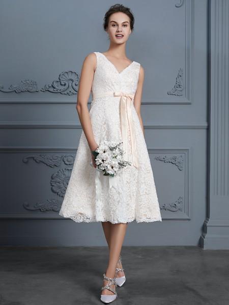 A-Line/Princess V-neck Knee-Length Lace Bowknot Wedding Dresses