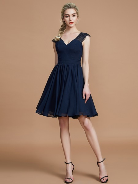 A-Line/Princess Chiffon V-neck Knee-Length Bridesmaid Dresses