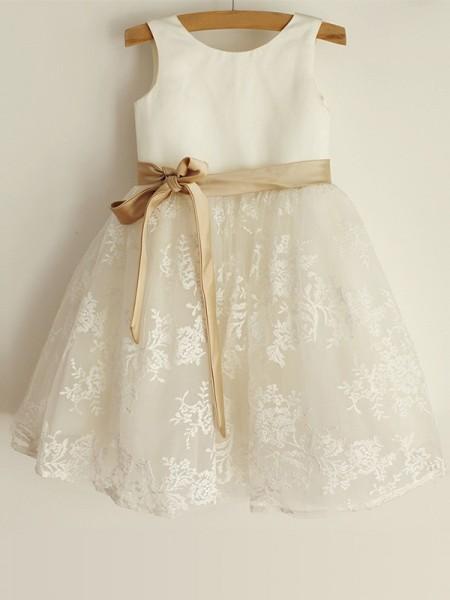 A-Line/Princess Scoop Lace Sleeveless Satin Knee-Length Flower Girl Dresses