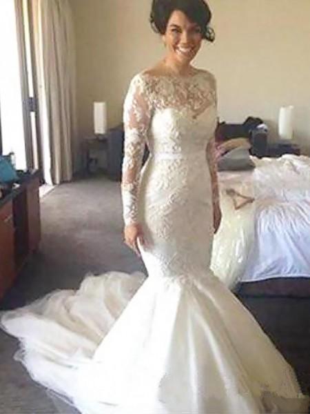 A-Line/Princess Bateau Tulle Court Train Applique Wedding Dresses