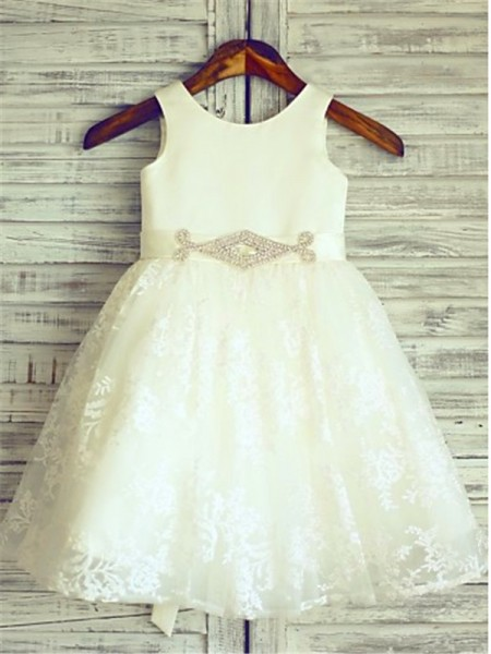 A-line/Princess Scoop Knee-Length Flower Girl Dress with Lace