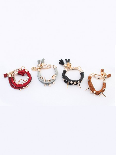Personality Rivet Bracelets J0103965JR