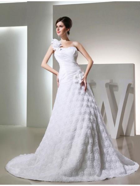 A-Line/Princess One-shoulder Taffeta Hand-made Flowers Long Wedding Dress