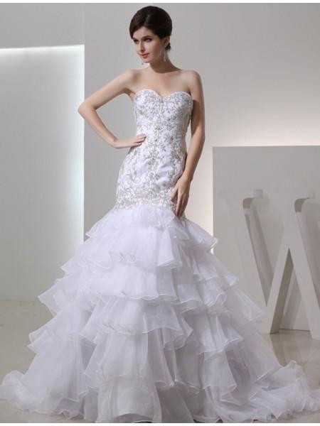 Trumpet/Mermaid Sweetheart Organza Embroidery Wedding Dress