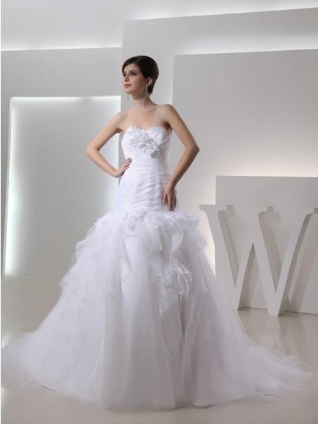 Trumpet/Mermaid Sweetheart Organza Wedding Dress