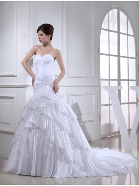 Trumpet/Mermaid Applique Sweetheart Long Taffeta Wedding Dress
