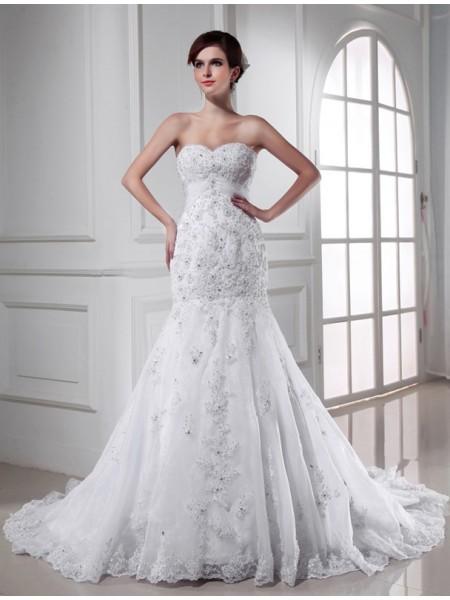 Trumpet/Mermaid Sweetheart Applique Organza Wedding Dress