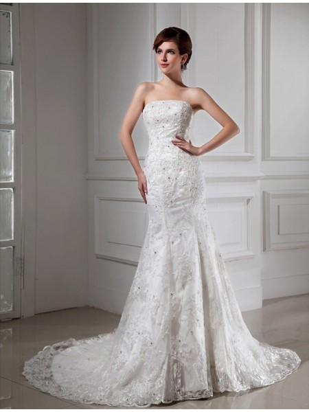 Trumpet/Mermaid Strapless Lace Satin Wedding Dress