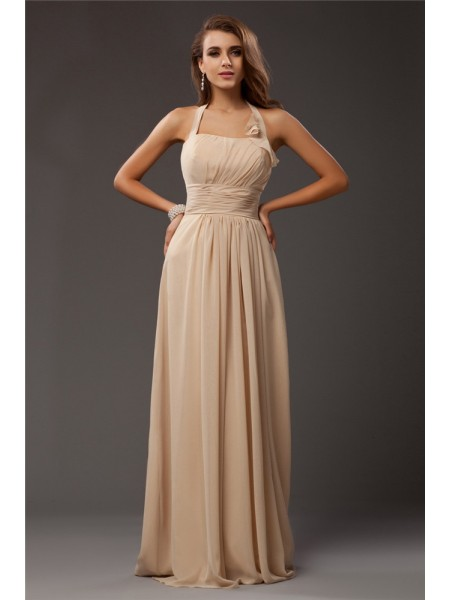 Sheath/Column Halter Ruffles Chiffon Bridesmaid Dress