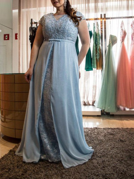 A-Line/Princess Scoop Floor-Length Chiffon Plus Size Dress with Lace